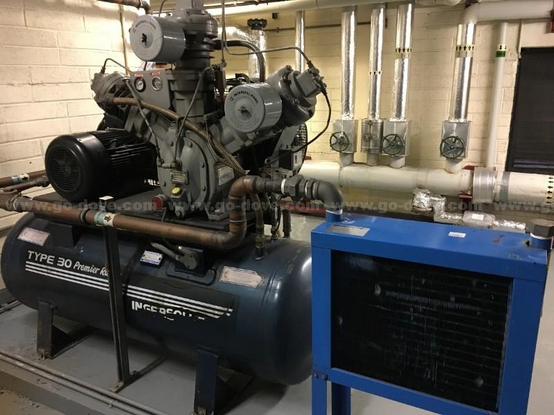 Horizontal receiver mounted compressor