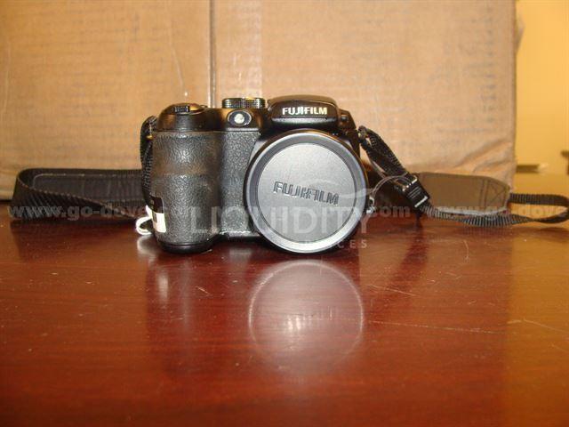 Fuji Fine Pix S1500 MP Digital Camera
