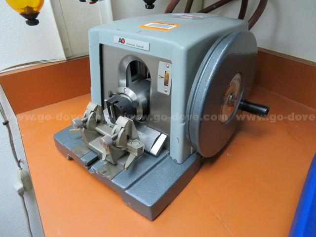 American Optical Spencer 820 Microtome